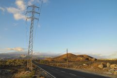 柏油路在沙漠 免版税库存图片