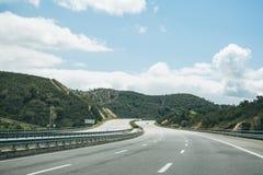 柏油路在葡萄牙 免版税库存图片