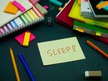 某人在您运转的书桌留下了信息;睡眠 免版税库存图片