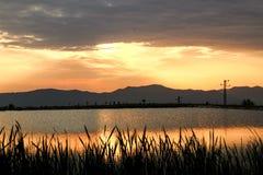 某处Sunset湖在斯洛伐克 免版税库存照片