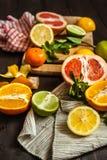 柑橘桌 免版税库存照片
