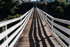柑橘街道桥梁上面的长度看法  免版税图库摄影