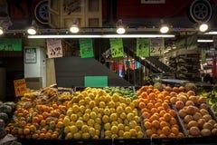 柑橘水果桔子&柠檬在圣劳伦斯市场上 免版税库存照片