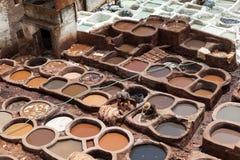 洗染的和晒黑的皮革。Thes。摩洛哥。 免版税库存图片