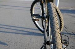 染黑自行车 库存照片