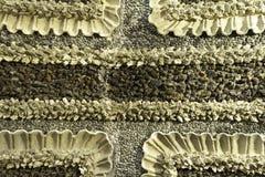 柔和曲调详述了关闭与几何样式的历史的白色&黑pebbled地板从宫殿意大利北部 免版税图库摄影