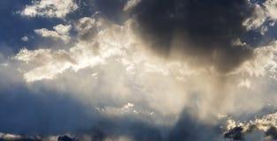 柔和的夏天下午云彩 免版税库存图片