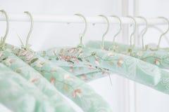 柔和的挂衣架老浪漫丝绸样式 库存图片