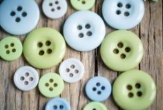 柔和的淡色彩色的按钮 库存照片