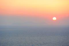 柔和的淡色彩色的日落 免版税库存图片