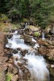 柔滑的小瀑布在保加利亚 免版税库存照片