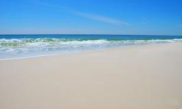 柔滑的海滩使光滑 免版税库存图片