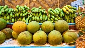 柚和香蕉 免版税库存照片