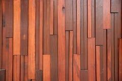 柚木树木板条墙壁 库存图片
