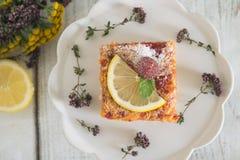 柠檬、香草和莓酒吧 免版税库存图片