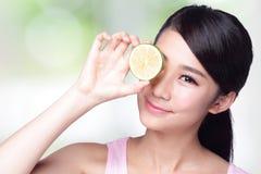 柠檬为健康是伟大的 免版税库存照片