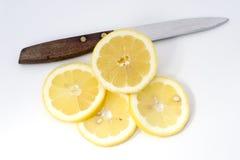柠檬切了 免版税库存照片