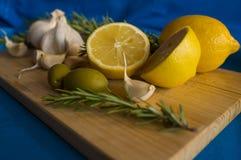 柠檬和大蒜 库存照片