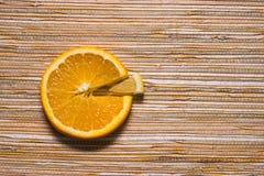 柠檬和桔子圆形统计图表  库存照片