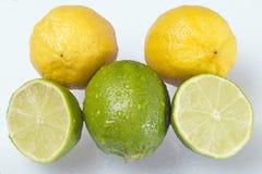 柠檬和石灰切片 免版税库存照片