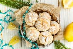 柠檬曲奇饼用搽粉的糖 一个可口自创点心 免版税库存照片