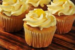 柠檬杯形蛋糕 库存照片