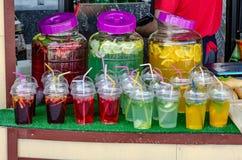 柠檬水汁玻璃饮料街道食物 免版税库存图片
