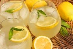 柠檬水 库存图片