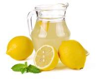 柠檬汁和果子 图库摄影