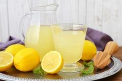 柠檬汁 免版税库存照片