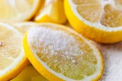 柠檬用糖 免版税库存图片