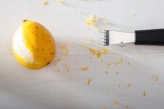 柠檬磨丝器 免版税库存照片