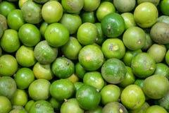 柠檬绿背景在市场上 图库摄影