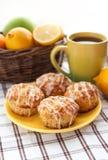 柠檬罂粟种子松饼 免版税库存照片
