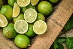 柠檬茶或食品成分的绿色石灰 库存照片