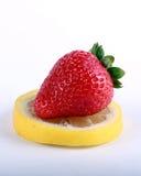 柠檬草莓 库存照片