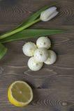 柠檬蛋白甜饼 免版税图库摄影