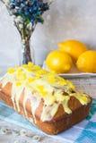 柠檬蛋糕为假日 库存图片