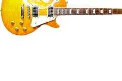 柠檬镶有钻石的旭日形首饰的经典电吉他在白色背景顶部,与大量拷贝空间 库存图片
