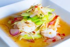 柠檬香茅沙拉用虾 库存照片