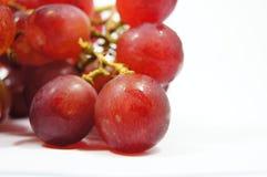 查出的新鲜的葡萄 免版税图库摄影