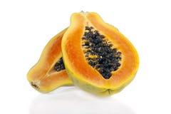 查出的番木瓜被切的白色 免版税库存图片