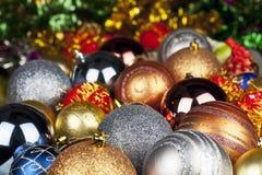 查出的背景圣诞节戏弄结构树白色 库存图片
