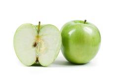 查出的苹果一半 免版税库存图片