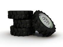 查出的轮胎拖拉机 免版税图库摄影