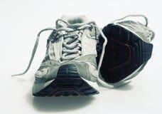查出的运动鞋培训人 免版税库存图片