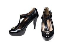 查出的黑色穿上鞋子白人妇女 免版税库存图片