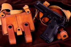 查出的airsoft枪 免版税库存图片