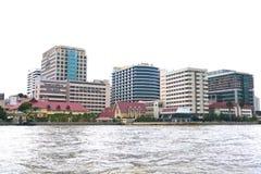 查奥Praya河的Siriraj医院在曼谷泰国 免版税库存图片