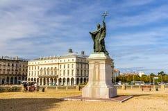 查尔斯军事Lavigerie雕象在巴约讷 免版税库存图片
